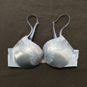 Victoria's Secret Very Sexy Blue Lace Push Up Bra